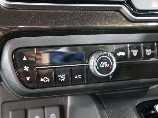オートエアコン付き!最近の軽自動車はハイテクですね〜♪(*^。^*)