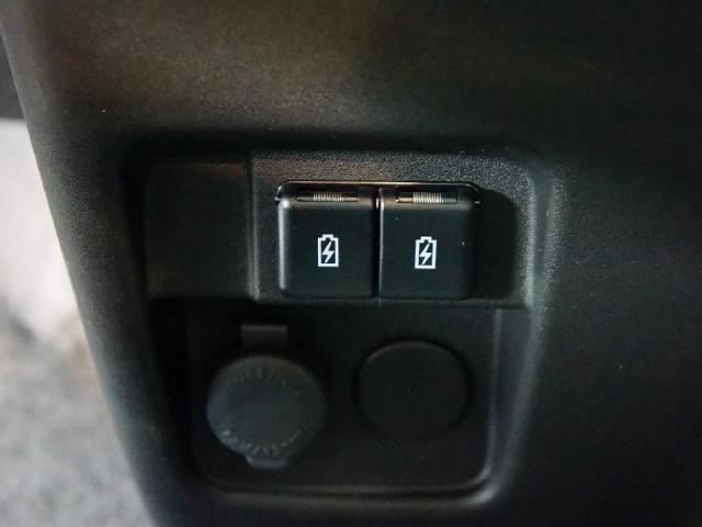 ハイブリッドX 車イス移動車 届出済未使用車 キーフリー左Aドア衝突軽減B(13枚目)