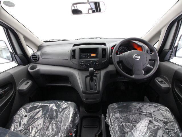 VX 2.5人乗り E-ATx 標準 登録済み未使用車(5枚目)