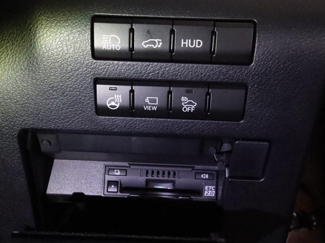 中古車なので走行距離は気になるものです。走行管理システムという全国単位のシステムにて入庫時にチェックをします!その為メーター交換やメーター改竄の履歴も全車両チェック済みです、ご安心してお乗り頂けます。