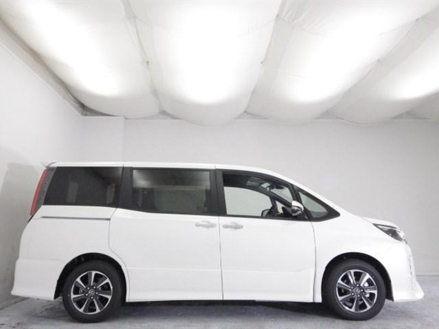 トヨタ ノア Si W×B 登録済未使用車 セーフティセンス LED