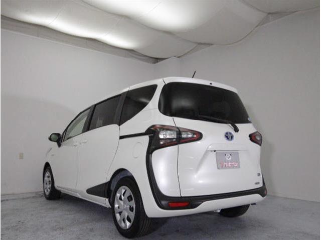 トヨタ シエンタ HV Gクエロ セーフティセンス LEDPKG 未使用車
