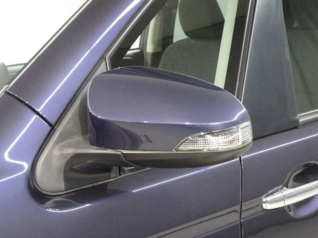 対向車からも視認性の高い、ウィンカーミラーも装備されています。