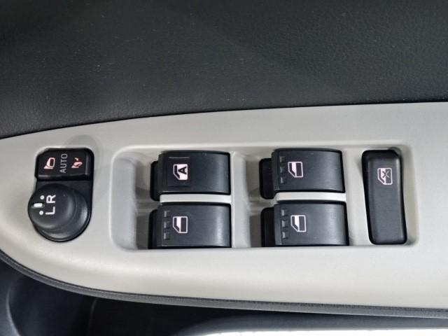モーダ S スマートキー メモリーナビ(ワンセグ)ETC 衝突軽減装置 誤発進抑制装置 車線逸脱警報 アイドリングストップ LEDヘッドランプ リヤスポイラーベンチシート 走行距離22000キロ(11枚目)