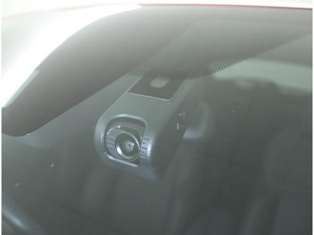 S 当社試乗車 走行3240キロ 衝突軽減システム 純正ナビ フルセグ スマートキー バックカメラ ETC2.0 LEDヘッドライト 純正アルミ クルコン(2枚目)