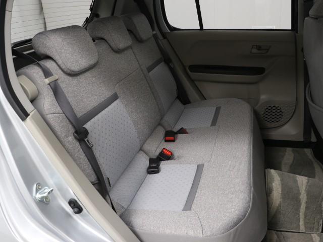 リヤシートもゆったり快適です。