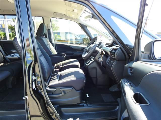 ハイウェイスター HYBRID車 フルセグSDナビ Bluetooth Bカメラ ETC 両側パワードア LEDヘッドライト エマージェンシーブレーキ クルーズコントロール(9枚目)