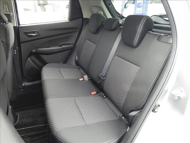 HYBRID RS セーフティパッケージ装着車 衝突軽減ブレーキ スズキ純正メーカーオプションナビ 全方位モニター フルセグ BT接続 USB接続 純正ビルトインETC シートヒーター アイドリングストップ スマートキー(6枚目)