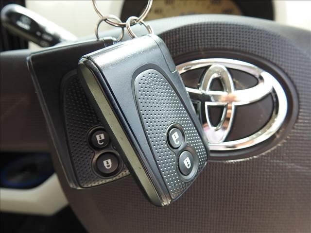 X ユルリ X Yururi ユーザー買取車 女性ワンオーナー 禁煙車 トヨタ純正SDナビ フルセグ BT接続対応 バックカメラ スマートキー ビルトインETC(13枚目)