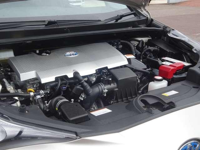 トヨタ プリウス Aツーリングセレクション 9インチナビ Bカメラ