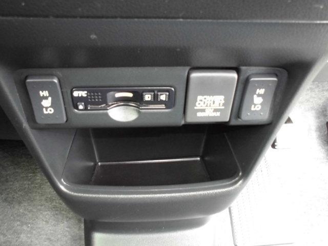 ホンダ N BOXカスタム G ターボSSブラックスタイルパッケージ SDナビ