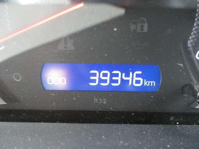 この走行距離をご覧ください!!魅力ですよね〜♪まだまだこれからのお車ですよ☆もちろん距離を走っていてもトヨタのロングラン保証があるから、安心してお乗りいただけます!!