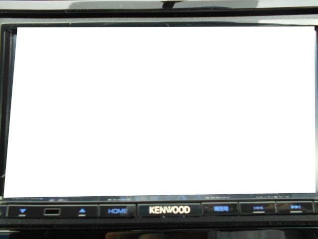 ドライブの休憩時に地デジやDVDの視聴が可能です。