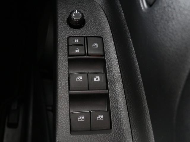 X Vパッケージ 1オーナー ETC ナビ 3列シート CDチューナー アイドリングストップ機能 メモリナビ ワイヤレスキー ABS フルフラット(11枚目)