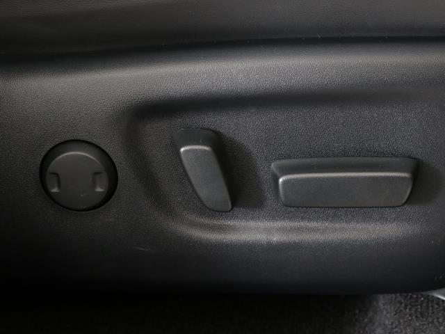 プレミアム 4WD フルセグ メモリーナビ バックカメラ ETC LEDヘッドランプ ワンオーナー DVD再生 ミュージックプレイヤー接続可 記録簿 安全装備 オートクルーズコントロール 電動シート ナビ&TV(13枚目)