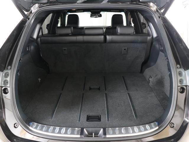 プレミアム 4WD フルセグ メモリーナビ バックカメラ ETC LEDヘッドランプ ワンオーナー DVD再生 ミュージックプレイヤー接続可 記録簿 安全装備 オートクルーズコントロール 電動シート ナビ&TV(16枚目)