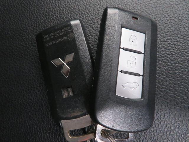 24G ナビ 4WD フルセグ メモリーナビ バックカメラ 衝突被害軽減システム ETC HIDヘッドライト 3列シート ワンオーナー DVD再生 ミュージックプレイヤー接続可 記録簿 乗車定員7人 ナビ&TV(14枚目)