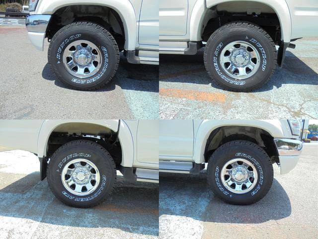 ダブルキャブ ワイド 4WD 新品タイヤ 荷台ライナー加工(5枚目)