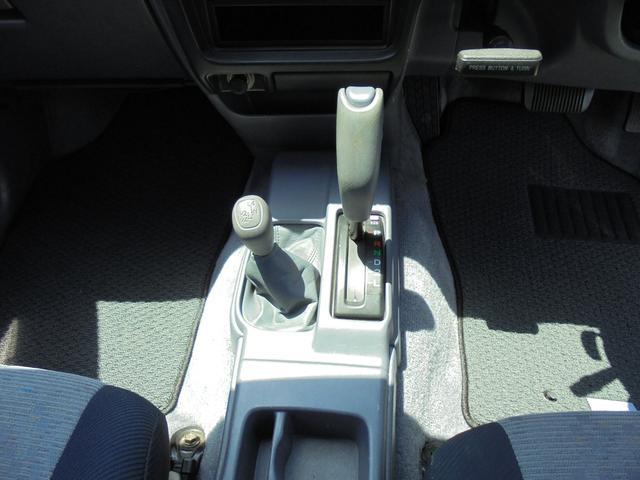 ダブルキャブ ワイド 4WD 新品タイヤ 荷台ライナー加工(11枚目)