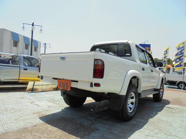 ダブルキャブ ワイド 4WD 新品タイヤ 荷台ライナー加工(18枚目)