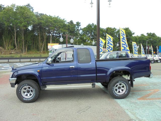 エクストラキャブ ワイド4WD サンルーフ 新品タイヤ(3枚目)