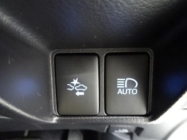 プリクラッシュシステム【トヨタ】=衝突被害軽減システム付きです。