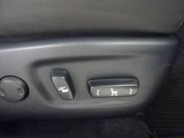 パワーシートでベストなポジションで安全ドライブ!!