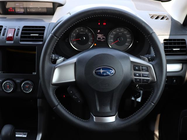 ★シンプルでスタイリッシュな操作性の良い運転席です。★先進の運転支援システム「アイサイト」付き★プリクラッシュブレーキ、追従型クルーズコントロール付きで安心便利です。★