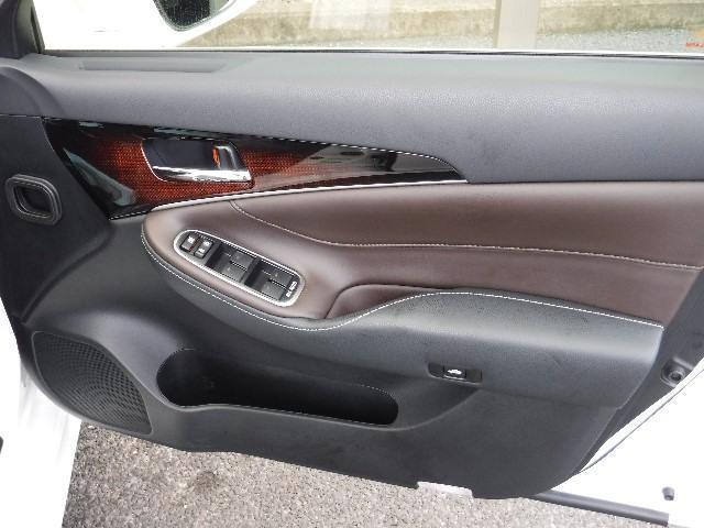 トヨタ クラウンハイブリッド ロイヤルサルーン SDナビ フルセグTV LEDヘットライト