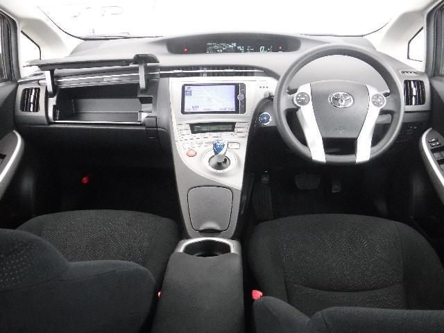 運転中のエネルギー状態をインパネで、リアルタイム把握。クルマと対話するワクワク感を演出しています。