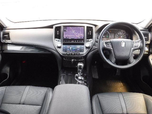 トヨタ クラウンハイブリッド アスリートG サンルーフ 本革シート HDDナビ ETC