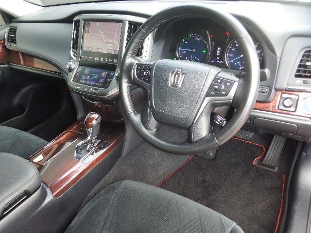 トヨタ クラウンハイブリッド ロイヤルサルーン ブラックスタイル HV保証付ワンオーナー/