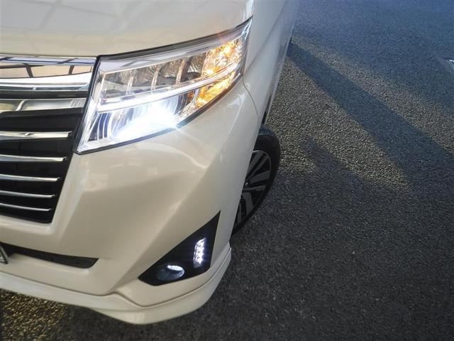 カスタムG S ・9インチトヨタ純正SD・ナビバックモニター・ETCス・マートアシスト・後席フリップダウンモニター・4WD・CD・DVD再生機能・記録簿・両側電動スライドドア(17枚目)