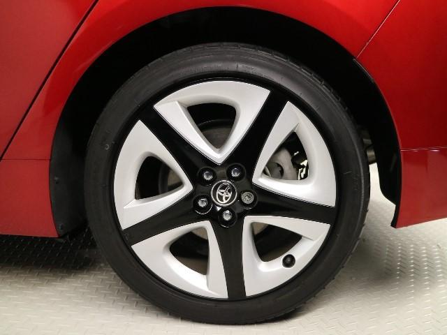 純正アルミホイールです。タイヤは『目に見える任意保険』です。重要な部分ですよね☆