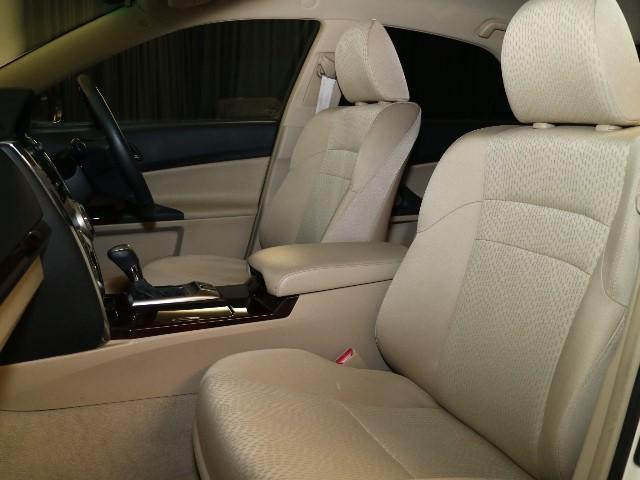 この車はT-Valueです。T-Valueとは3つの安心をあなたに 1.ピカット一平による徹底洗浄 2.車の品質が一目でわかる車両検査証明書付き 3.購入後も安心のロングラン保証付きです。