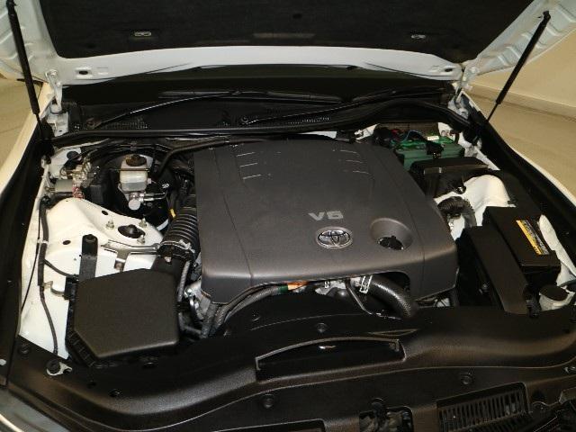 エンジンルームもクリーニング済みです。きれいにしているとトラブルの早期発見が出来、安心ですね。