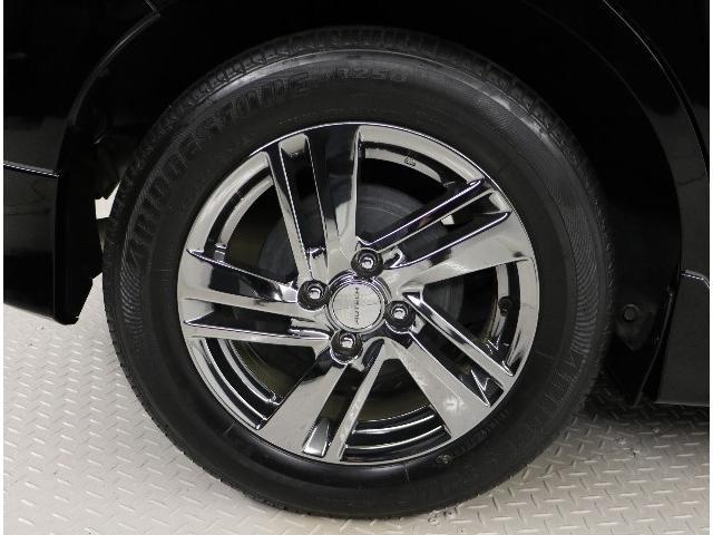 純正ホイール。タイヤサイズ 185/65 R15