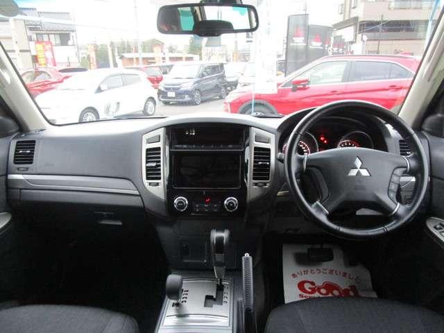 4WD 3.0 ロング エクシード サンルーフ 車検整備付(3枚目)