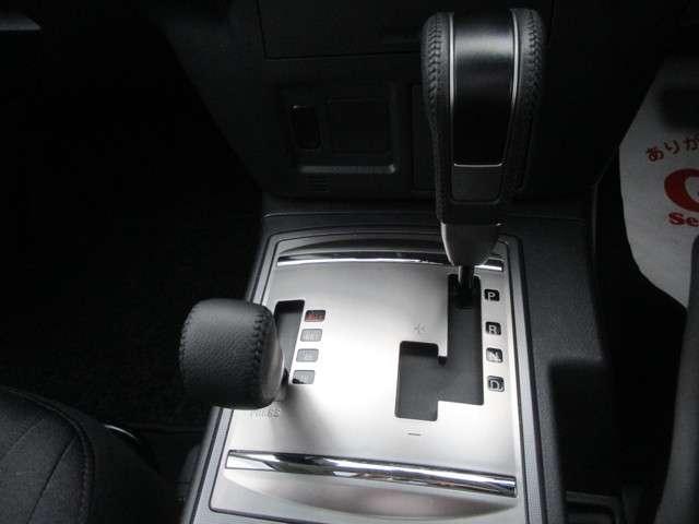 4WD 3.0 ロング エクシード サンルーフ 車検整備付(11枚目)