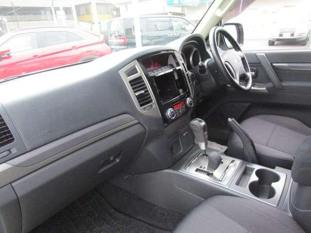 4WD 3.0 ロング エクシード サンルーフ 車検整備付(15枚目)