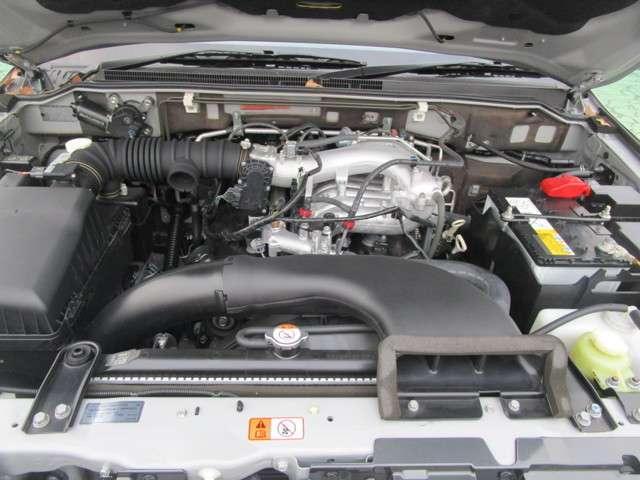 4WD 3.0 ロング エクシード サンルーフ 車検整備付(17枚目)