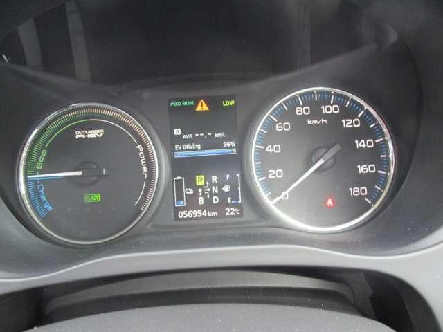 Gナビパッケージ 4WD ハイブリッド車 純正メモリーナビ バックカメラ フルセグTV e-Assist 自動(衝突軽減)ブレーキ 追従クルーズ AC100V/1500W電源 ETC HIDライト ワンオーナー ABS(16枚目)