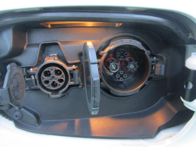 Gナビパッケージ 4WD 2000 ハイブリッド 駆動用バッテリー残存率81.2% 純正SDナビ 全周囲カメラ 電気温水式ヒーター 禁煙車 自動(衝突被害軽減)ブレーキ 誤発進抑制機能 パーキングセンサー 追従クルーズ(58枚目)