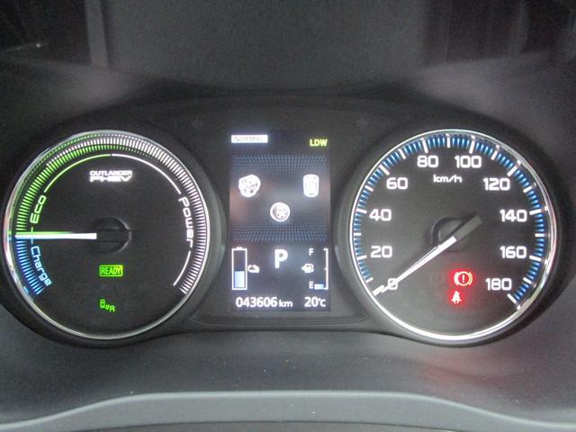 Gプレミアムパッケージ 4WD ハイブリッド 残存率83.8% 純正ナビ 全周囲カメラ ロックフォード AC100V電源 本革シート 衝突被害軽減ブレーキ 誤発進抑制機能 後退時&後側方車両検知警報 禁煙 ETC 1オーナー(16枚目)