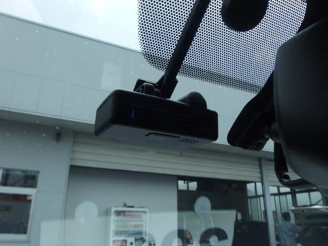 ドライブレコーダーは事故時の記録を残すと共に、安全運転の意識も高まります!!