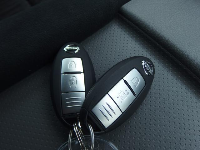 インテリジェントキー&エンジンイモビライザー付き!! キーを取り出さなくてもドアの開閉、エンジン始動が可能でとても便利です♪