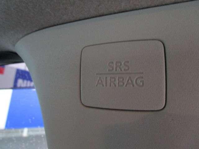 カーテンエアバッグは、側面衝突時に前後乗員の頭部を保護してくれます♪
