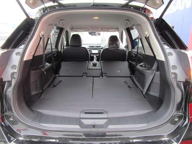 20X エマージェンシーブレーキパッケージ 2.0 20X エマージェンシーブレーキパッケージ 3列車7人乗り 4WD メーカーナビ 全周囲カメラ LED(9枚目)