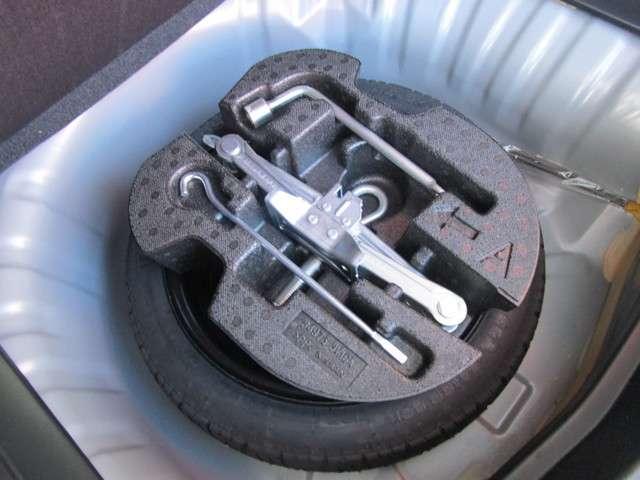 スペアタイヤが付いていて安心です