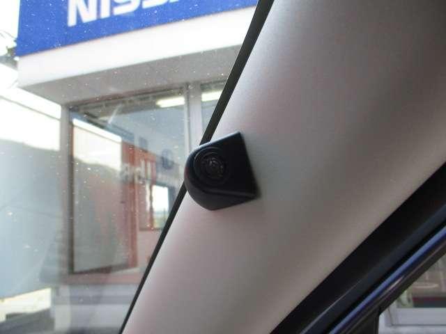 セキュリティ+セーフティパックです。乗降時、後方へ注意喚起に役立ちます。